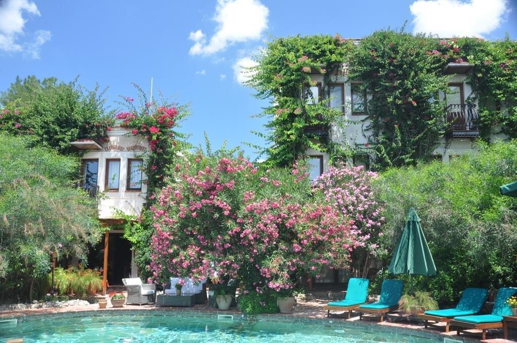 El Vino Hotels & Suites